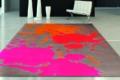 Teppich mit farbkleksen