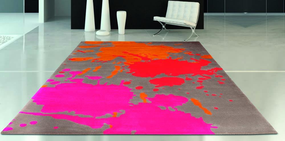 Teppich mit bunten farbkleksen