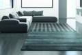 teppichmit streifen vor sofa