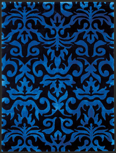 teppich mit blauem muster