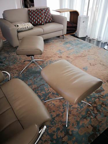 Vintage Teppich blau beige mit Sessel