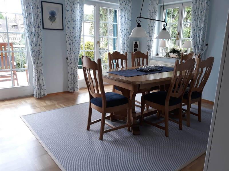 Teppich grau weiß aus baumwolle und Papier