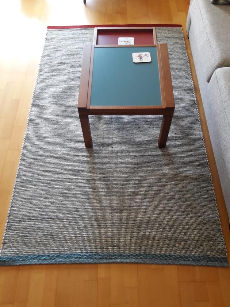 Teppich handgewebt mit Einfassung in zwei farben