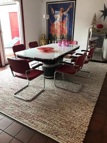 Teppich Tisca mit Tisch und Stühlen
