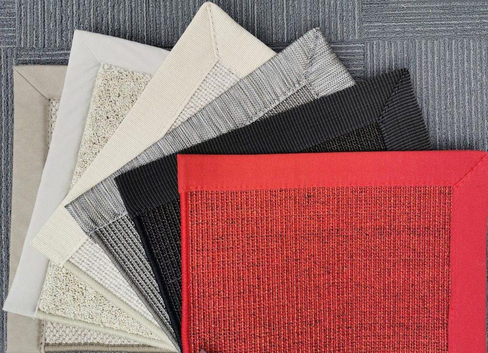 Teppiche mit Einfassung diverse Farben