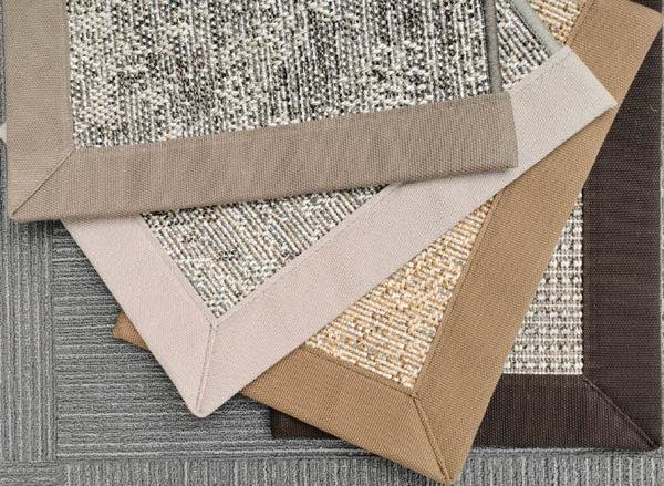 Teppichmuster mit Einfassungen natur töne