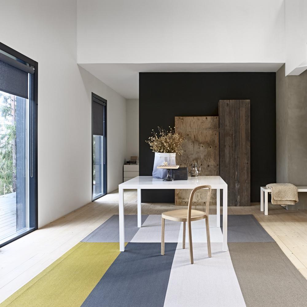 Papierteppich im modernen Wohnraum